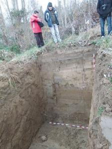 Se realizaron varias catas a gran profundidad sin éxito junto al regato grande.